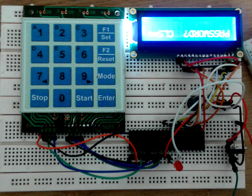 8Code Lock with 4x4 Keypad avr